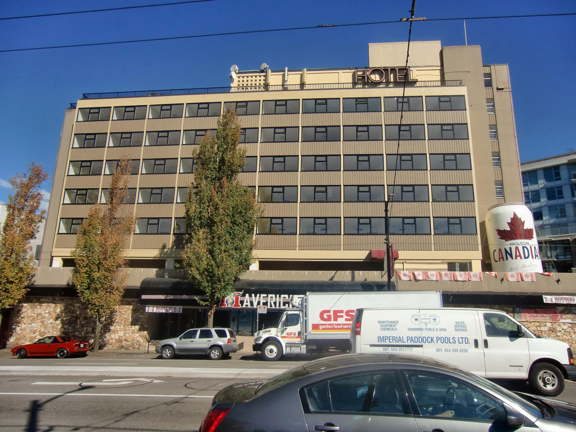 A1 windows 350 series windows on hotel